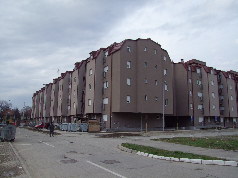 Stambeno Poslovni Objekat U Bloku 1 6 Naselje Kamendin Zemun